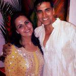 अक्षय कुमार अपनी बहन अलका भाटिया के साथ