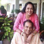 धर्मेंद्र अपनी पत्नी हेमा मालिनी के साथ