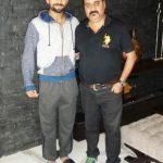 विराट कोहली अपने कोच राजकुमार शर्मा के साथ