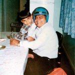 विराट कोहली बचपन में अपने पिता के साथ