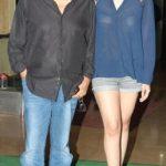 आलिया भट्ट अपने पिता महेश भट्ट के साथ