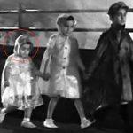 ऋषि कपूर फिल्म श्री 420 (1955) में