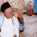 ए पी जे अब्दुल कलाम आजाद अपने ज्येष्ठ भाई मोहम्मद मुथु मीरा लेबाई मारिकायर के साथ