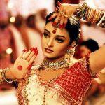 """ऐश्वर्या राय फिल्म देवदास (2002) के गीत """"डोला रे डोला"""""""