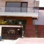नोएडा में सुरेश रैना का घर
