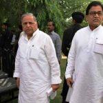 मुलायम सिंह अपने भाई राम गोपाल यादव साथ