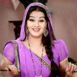 शिल्पा शिंदे को टीवी धारावाहिक नाटक  भाभी जी घर पर है  में  अंगूरी के रूप में