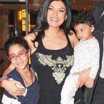 सुष्मिता सेन अपनी बेटियों के साथ