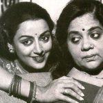 हेमा मालिनी अपनी माँ के साथ