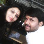 काजल निषाद अपने पति संजय निषाद के साथ