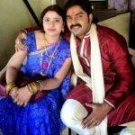 पवन सिंह अपनी पत्नी नीलम सिंह के साथ