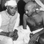 महात्मा गांधी जवाहरलाल नेहरू के साथ