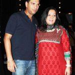 युवराज सिंह अपनी मां के साथ
