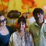 शीला शर्मा अपने पति और बेटी के साथ