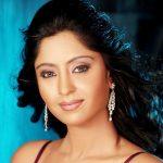 Shubhi Sharma Biography in Hindi | शुभी शर्मा (अभिनेत्री) जीवन परिचय