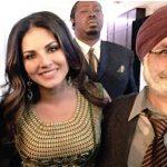 सनी लियोन अपने माता-पिता के साथ