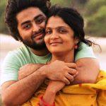 अरिजीत सिंह अपनी पत्नी के साथ