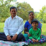 अरुनाचलम मुरुगनांथम अपने परिवार के साथ