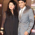 अर्जुन कपूर अपनी बहन अंशुला कपूर के साथ।