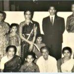 कमल हासन अपने माता-पिता के साथ