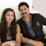 कुमार सानु अपनी बेटी शान्नोन के साथ