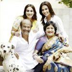 रजनीकांत अपनी पत्नी और बेटियों के साथ