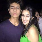 सारा अली खान अपने भाई के साथ