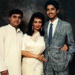जगजीत सिंह अपनी पत्नी और बेटे के साथ