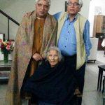 जावेद अख्तर अपनी चाची और भाई सलमान के साथ