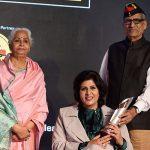 दीपा मलिक अपने माता-पिता के साथ