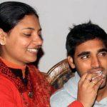 भुवनेश्वर कुमार अपनी बहन के साथ