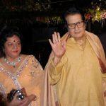 मनोज कुमार अपनी पत्नी के साथ