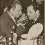 मुकेश राज कपूर के साथ शराब पीते हुए