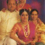 श्रीदेवी अपने माता-पिता और बहन के साथ