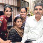 साइना नेहवाल अपने परिवार के साथ