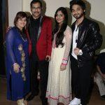 सुदेश भोसले अपनी पत्नी, बेटे और बेटी के साथ