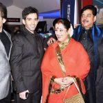 सोनाक्षी सिन्हा अपने परिवार के साथ