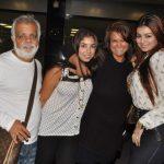 आयशा टाकिया अपने परिवार के साथ