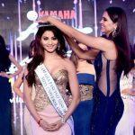 उर्वशी मिस यूनिवर्स इंडिया 2015 के ख़िताब के साथ