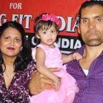 खली अपनी पत्नी और बेटी के साथ