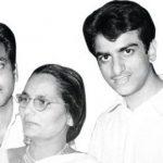 जितेंद्र (दाईं ओर) अपने भाई (बाईं ओर) और माँ के साथ
