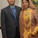 जुनैद मियांदाद अपनी पत्नी माहरुख इब्राहिम के साथ