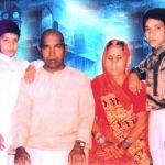 दिनेश लाल यादव अपने परिवार के साथ