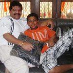 पृथ्वी शॉ विधायक संजय पोटनीस के साथ