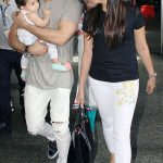 मीरा कपूर अपने पति और बेटी के साथ