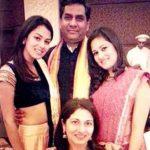 मीरा राजपूत अपने परिवार के साथ