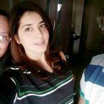 राशि खन्ना अपने माता पिता के साथ
