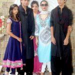 सुहाना खान अपने परिवार के साथ