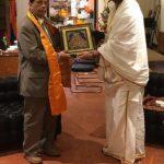 श्री गौरव कृष्णा गोस्वामी जी को सर अनिरुद्ध जोगनाथ मॉरिश्यस के पूर्व प्रधानमंत्री के साथ