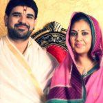 श्री गौरव कृष्णा शास्त्री गोस्वामी जी अपनी पत्नी के साथ